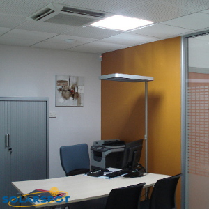 bureau conduit lumiere dalle carree SOLARSPOT