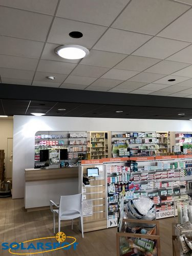 conduit lumiere commerce pharmacie halle couverte Saint Alban Leysse SOLARSPOT