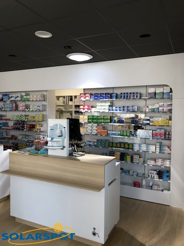 puits lumiere commerce pharmacie halle couverte Saint Alban Leysse SOLARSPOT